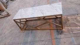Mesas de centro en hierro y piedras de lujo en mármol