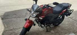 Venta de moto  Honda  invicta 150