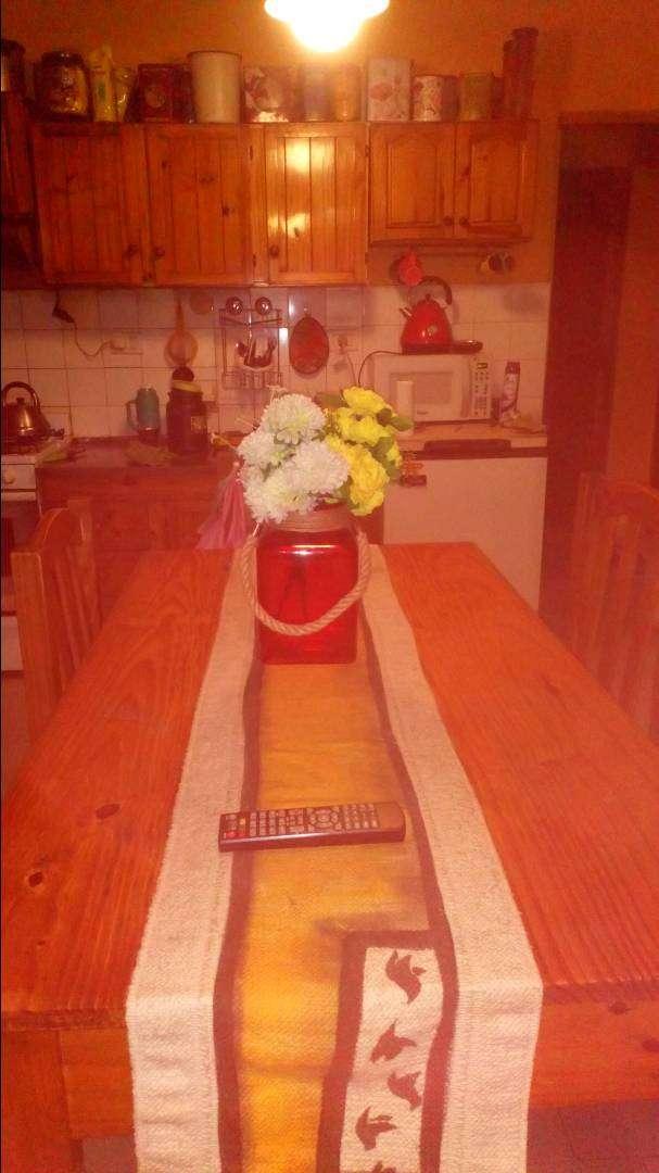 Vendo mesa de pino 0