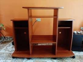 Mesa para TV y equipo de sonido