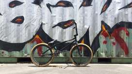 Cicla BMX seminueva