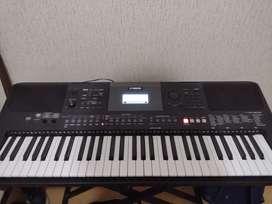 Vendo Teclado Yamaha PSR-E463