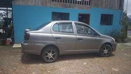 Se vende  Toyota yaris año 2006