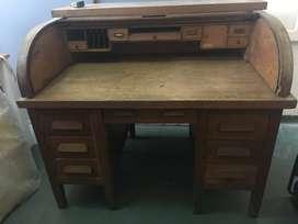 Vendo escritorio antiguo, muy buen estado