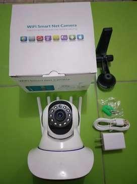 Camara de seguridad tiene 1080 px infrarrojo, wifi ,giratoria etc