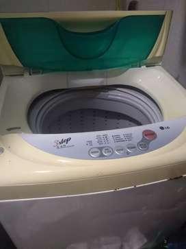 Lavadora en buen estado LG