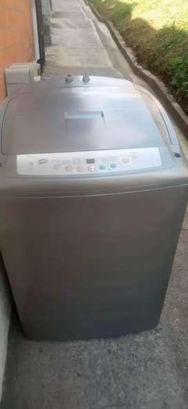 Vendo lavadora 30 libras