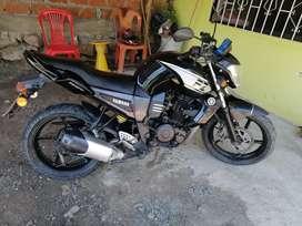 Yamaha fz año 2013  hermosa.