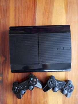 Vendo PS3 con 2 controles