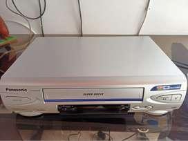 Videograbadora Panasonic NV-SJ4140PN (Usado)