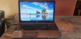 Vendo Laptop Toshiba Satelite i7