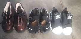 3 pares de zapatillas de nene