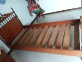 Vendo cama sencilla en madera fina