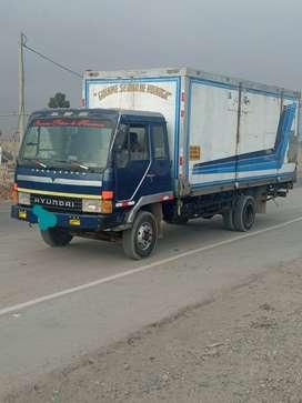 Camión furgón de 8 toneladas
