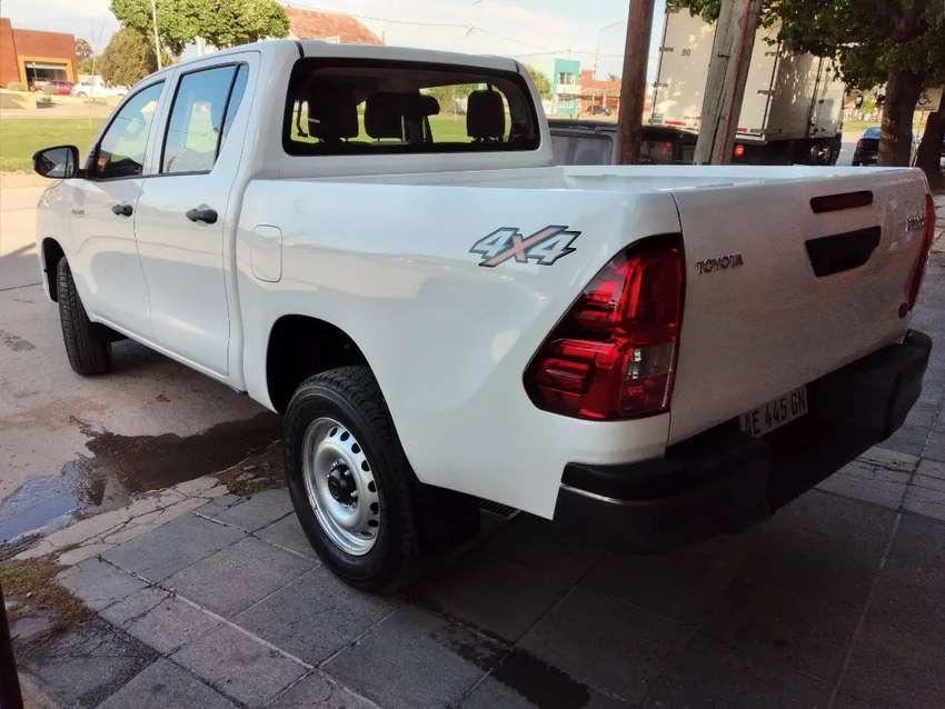 Toyota Hilux dx 4x4 2020 0