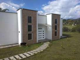 Se vende casa campestre ubicada en el condominio las palmas,vía armenia
