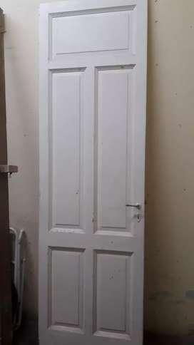 Puerta interior de cedro