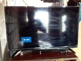Vendo smart tv 32 bgh con detalle en la pantalla no afecta en nada sin control