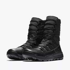 Vendo Botas Nuevas marca Nike tácticas militares