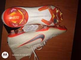 Botines Nike Mercurial sin uso 8us