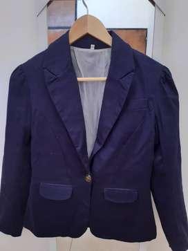 Blazer azul, interior forrado, entallado, talle S, impecable