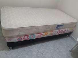 Vendo base cama + colchon ortopédico