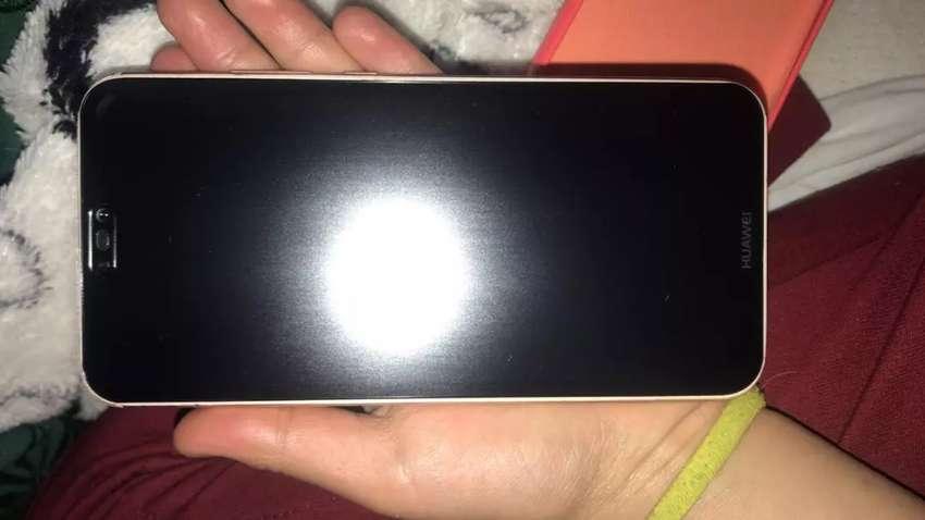 Celular Huawei P20 Lite.