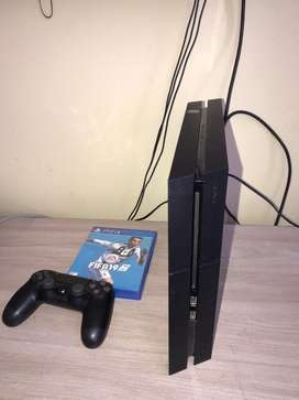 PLAY STATION 4  -  500 GB