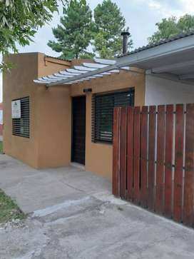 VENDO CASA CON PILETA RUTA 18 -KM 14 -ALVAREZ