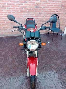 Vendo  moto Yamaha YBR..125 cc $180.000