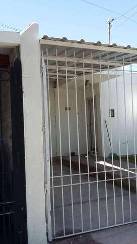 Casa 4 Dormitorios Barrio Municipal Las Heras Con Cochera