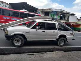 Se vende camioneta papeles Aldia recién reparada