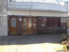 VILLA DEL PARQUE ALQUILO CASA LOTE 8,66 X34 C/ 6 AMBS
