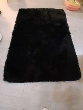 Alfombra tapete suave liviano negro 120x170