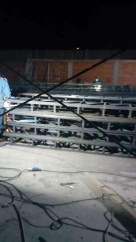Ayudantes y armadores de estructuras metálicas