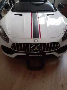Carro Mercedes para niña