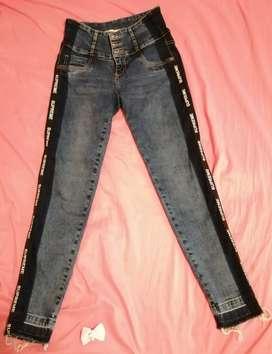 Jeans talla 28 y 30