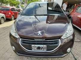 Peugeot 208 feline 2014