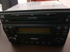 Radio marca Nissan poco uso