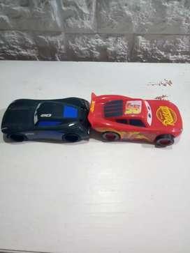 2 autos a fricción Cars 3 rayo macqueen Jackson storm ditoys usado