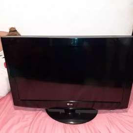 TV de 32 pulgadas marca LG motivo de viaje