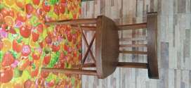 Vendo 6 sillas tipo bar de madera