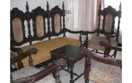 Muebles antiguos en cedro