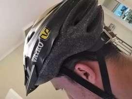 Vendo casco marca Vairo negro y amarillo