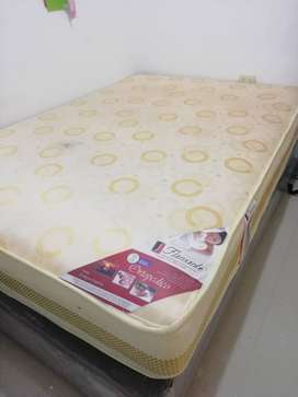 Vendo colchón ortopédico + box tarima marrón nuevo 2 plazas