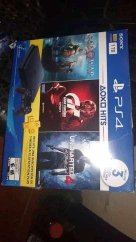 PS4 ULTRASLIM COMO NUEVA CON 3 JUEGAZOS!!!