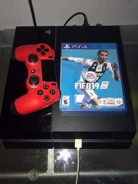 VENDO PLAYSTATION 4 + JOYSTICK + 2 juegos (NBA 2K21 y FIFA 19)
