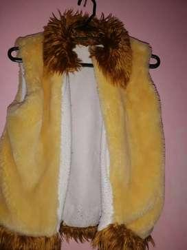 Se regalan varias prendas chaquetas niña talla 14, mujer talla S, M L