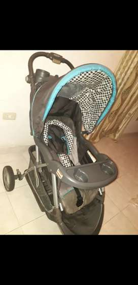 Coche de bebé + soporte de bebé para el auto