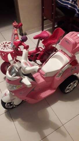 Bicicleta y moto de niña $500 en muy buen estado